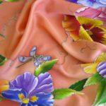 Батик платок «Анютины глазки». Шелковый платок ручной работы.