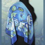 Батик платок «В небе голубом». Шелковый платок ручной работы.