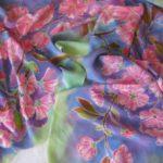 Батик палантин «Таинственный сад». Шелковый палантин ручной работы.