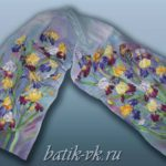 Батик шарф «Птичка в цветах». Шелковый шарф ручной работы.
