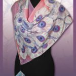 Батик платок «Павлин» белый на розовом фоне. Шелковый платок ручной работы.
