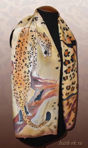 """Батик шарф """"Пятнистая кошка"""". Шелковый шарф ручной работы."""