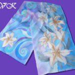 Батик шарф «Зимняя лилия». Шелковый шарф ручной работы.