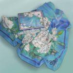 Свадебный платок батик «Чайные розы». Шелковый платок ручной работы.